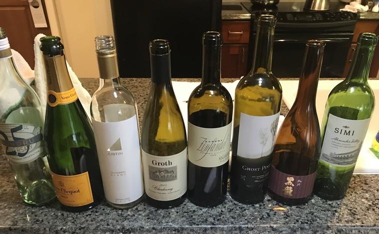このときは日本からヴーヴ・クリコと日本酒の黒龍を持参し、ハワイでは品質がよくお値打ちのワインをセレクト。その都度、何を持っていくかを吟味するのも楽しみのひとつ。