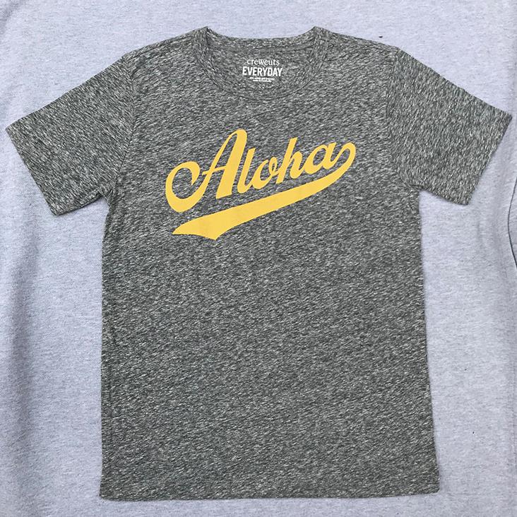 大人っぽいシックなTシャツはユニセックス。$19.50(アラモアナセンター内J.Crew)