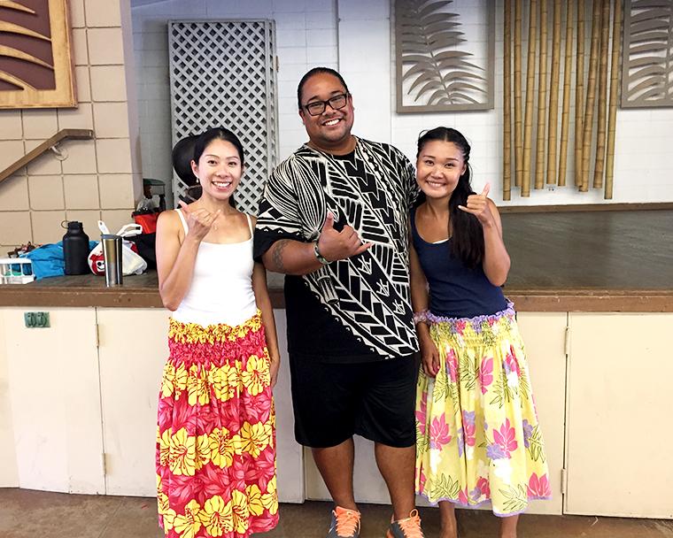日本でもお馴染みのKumu Hula Nālani Kealeのレッスンはワイキキ・コミュニティ・センターで受けることができます。