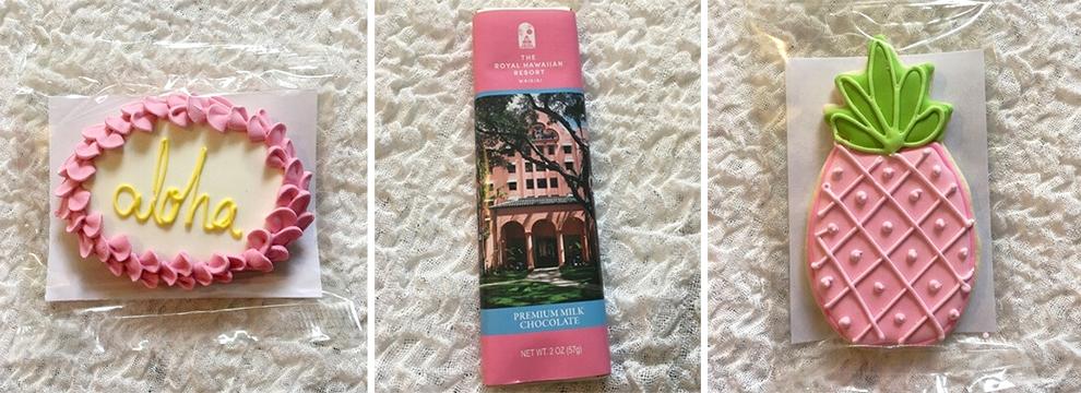 ピンク・パレスを彷彿させるアイシングクッキー($5.50)は食べるのがもったいないほど。甘さ控え目のチョコレートはハワイ限定$3.00(ロイヤル ハワイアン ホテル1階)