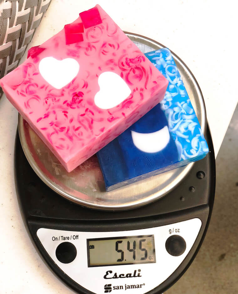 1オンス(約28.3グラム)$1.79。上記二つの石鹸で$9.76