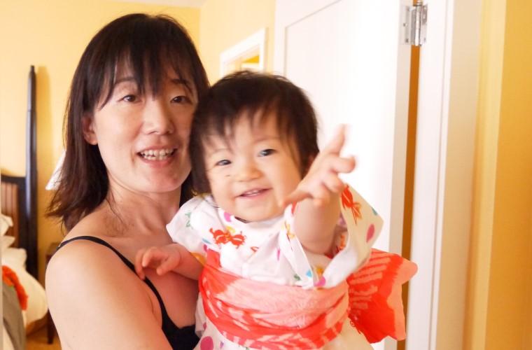浴衣は日本の伝統的なカジュアルウエア。「ディナーに出かける際にも重宝すると、私自身も小さい頃は母に着せてもらっていたんですよ」と知容さま。