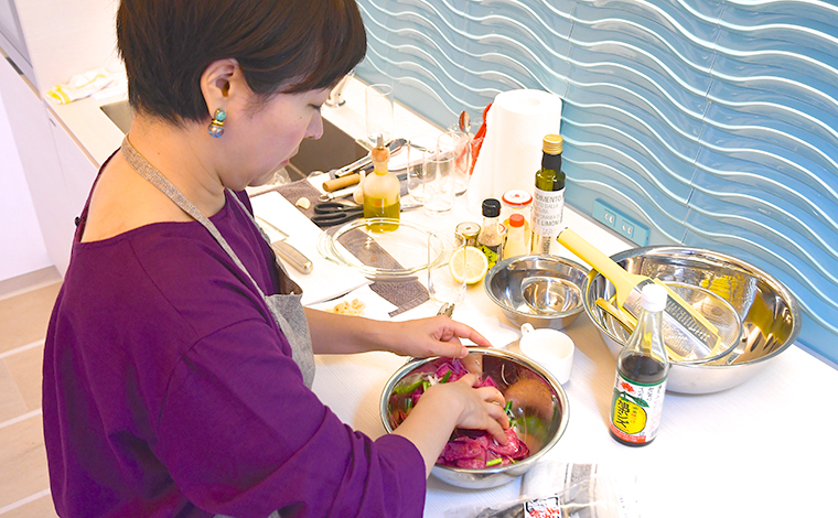ザ・ベイフォレスト小田原・バイ・ヒルトン・クラブは我が家と同じように作業しやすくキッチンカウンターも広々しています。