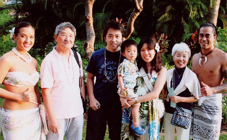 いつもご主人様のご両親と一緒に、親子三世代でバケーションへ。家族の絆も一層、深まります
