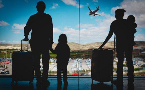 お子様連れ旅行でも安心! 搭乗までの待ち時間を楽しむ過ごし方と事前準備