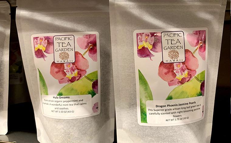 南国風のフレーバーのお茶なら、日本で飲んでもハワイの風を運んでくれそう。