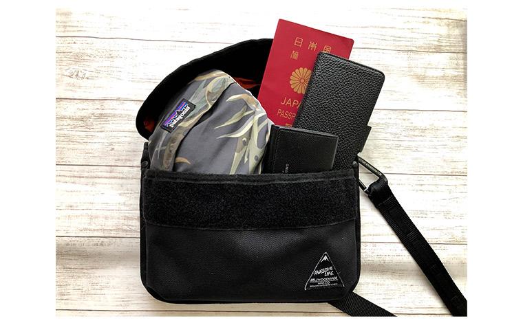 バッグの中身を入れ替える際も専用のポーチなどを駆使して持ちものを整理することでスムーズになり、煩雑になりがちなバッグ内もすっきり。